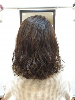 髪の負担が少ないキュアパーマ!