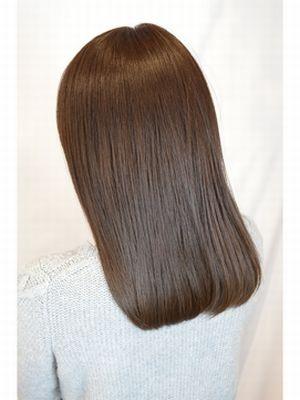 輝く髪の矯正