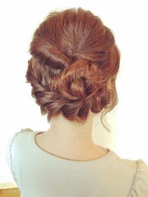 編み込みアップ ロープ編みまとめ髪