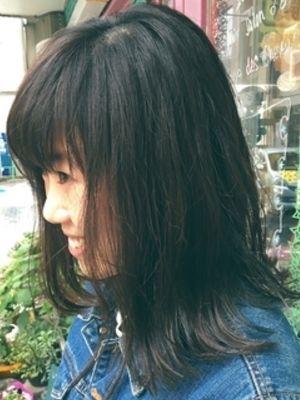 外ハネミディアム☆ブルーシルバーのインナーカラー