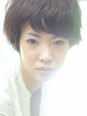 kith.『亀田』スッキリ目ヂカラUPの小顔ショート