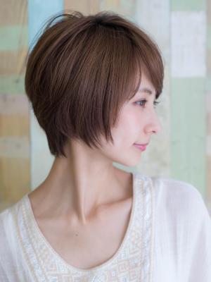 横顔美人、毛束感が綺麗ショート