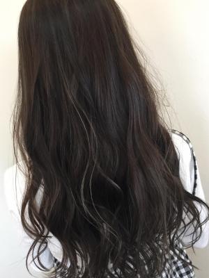 飽きの来ない暗髪