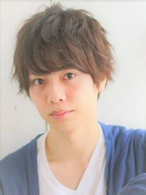 山崎賢人風髪型メンズゆるふわひし形マッシュパーマショート