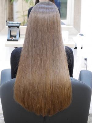 ストレートヘア ロングスタイル