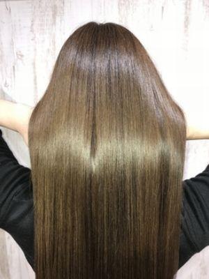 アッシュカラー艶髪スタイル
