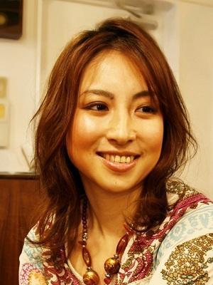 【JUMPUSH 平尾店 美容院】ミディアムスタイル