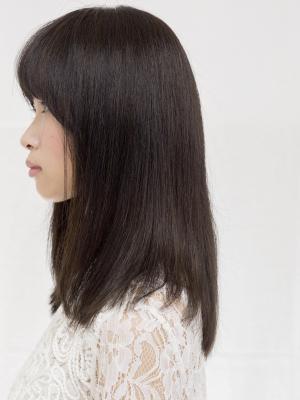 ダークアッシュカラーで地毛のような自然な黒髪風