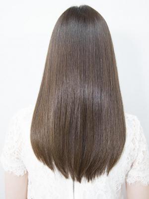 髪質改善ストレートパーマで自然なツヤ髪に