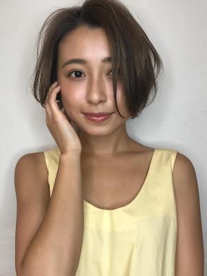 毛先ワンカールの大人ショートボブ【佐藤美紗】