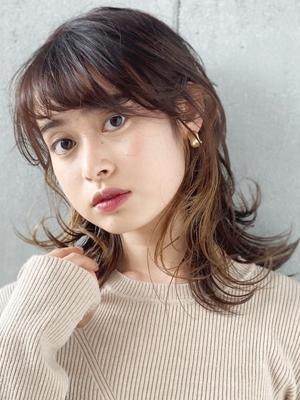 【New(10月)】インナーカラーが可愛いミディアムヘア