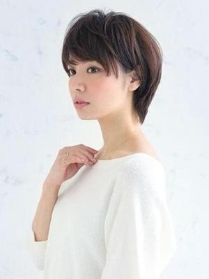 女っぽいショートヘア