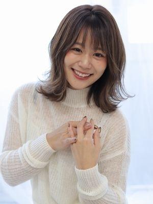 【valentine松永】透明感ベージュ×外ハネロブ