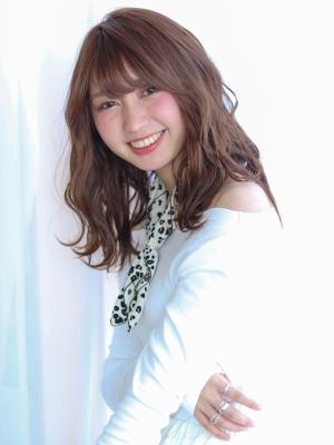 ☆春夏ベージュカラー☆ラフウェーブセミディ×シースルーバング
