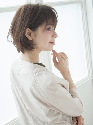 【tocca 難波店】スモーキーグレージュエアリーショート