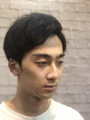 【短髪】【刈り上げ】 黒髪 マッシュベース アップバング