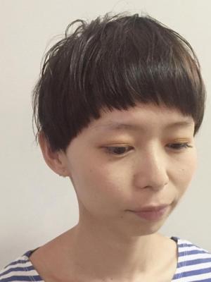 ショートマッシュヘア