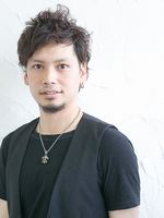 鈴木 祐介【指名料】2,200円