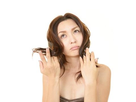 髪の悩みで使い分ける!トリートメントの種類とその効果