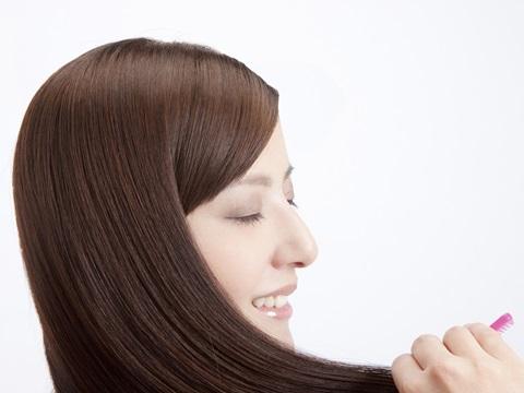 もうぺったんこなんて言わせない!直毛さんのためのヘアスタイル術