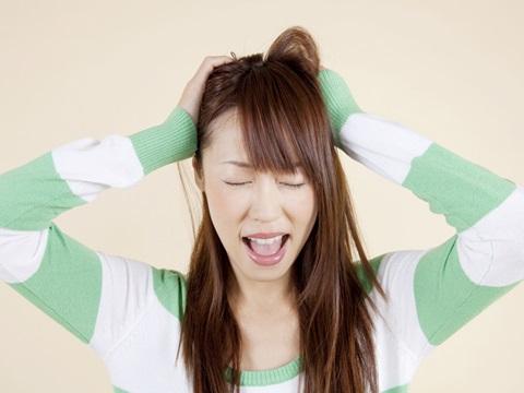切れ毛が原因で髪の毛がはねてしまう時の対処法