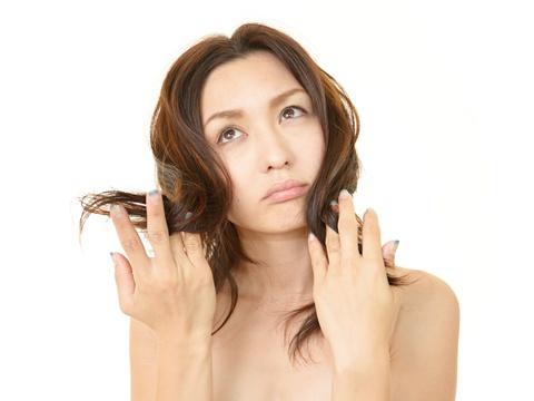 くせは殺さず生かす!くせ毛を生かせる髪型の作り方