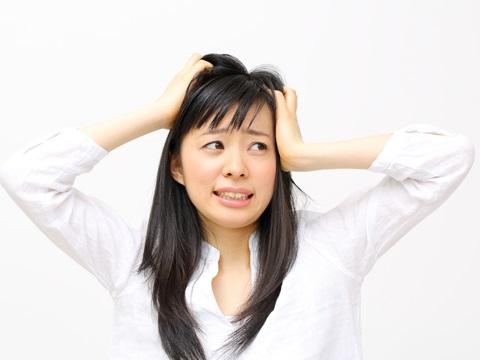 20代でも白髪に悩む・・・解明された3大原因別にケアが必要