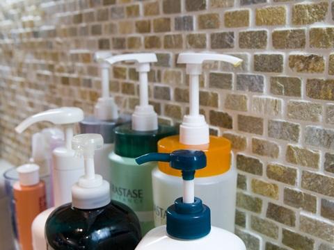 市販のシャンプーは危険がたくさん!?美容師もオススメの選び方3選