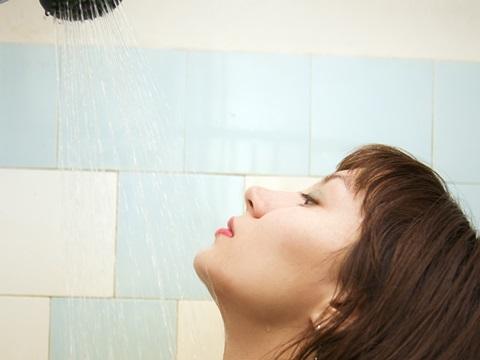 最近、注目される湯シャン。シャンプーしないのは本当に正しいのか!?