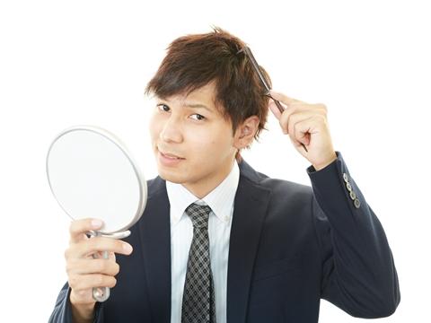 くせ毛を自由自在の髪型に出来るメンズ向けテクニック3大プロセス
