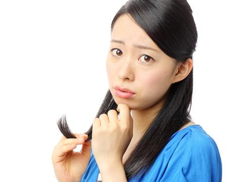 枝毛の原因はひとつじゃない!日常に潜む原因を突き止めよう!