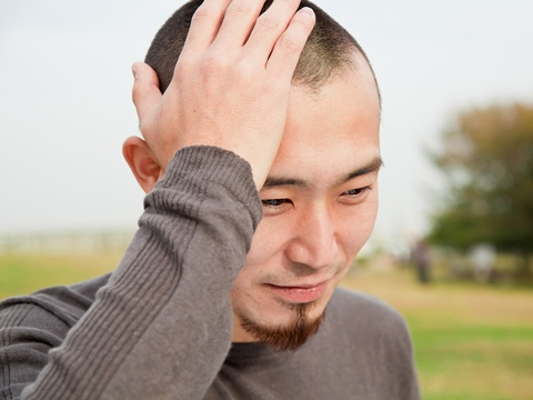 くせ毛で悩んでいても坊主にするとスッキリ直毛になるのは本当か!?