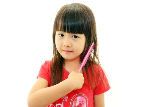 子供だって髪型にエッジを利かす!子供が自分でできるおしゃれな結び方