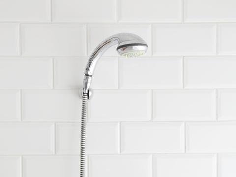 冷水シャワーは頭皮の健康に良いの?