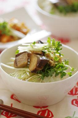 下処理いらずの「簡単ぶりの照り焼き丼」でおいしく食べてキレイな髪に!