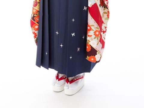 卒業式の袴はブーツと足袋、どっちがいい?