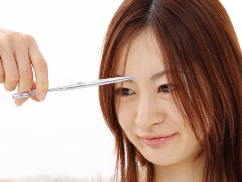 束感のあるパッツン前髪にしたい!すきまを作るすき方とは?