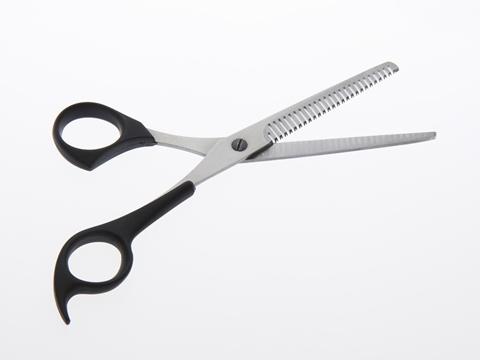 前髪のすき方と切り方を知りたい!正しいやり方、4つのポイント