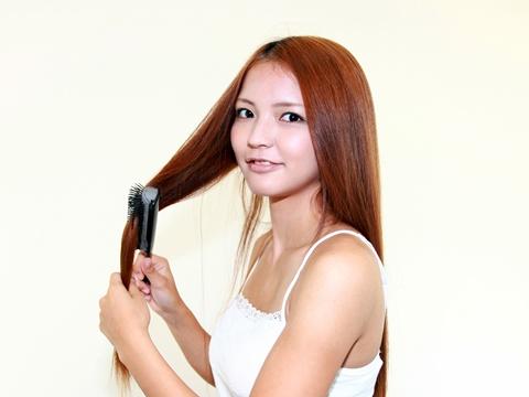 美容師に聞く!縮毛強制のあと髪を傷めずに寝癖を直す方法は?