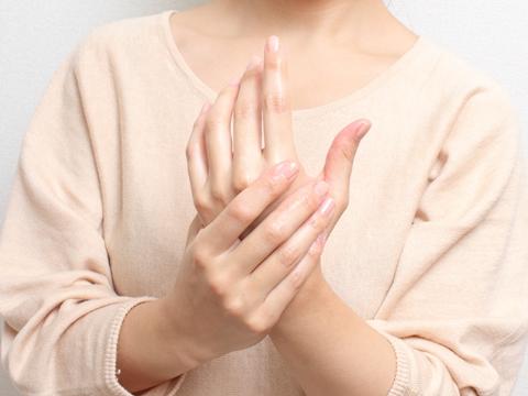 気付けばごわごわ手に…指の角質化の対策