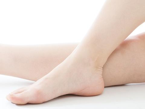 かかとがザラザラ!足の角質の原因とは?