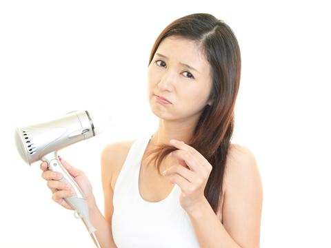 美容師さん教えて!傷んだ髪に市販のカラートリートメントを使ってもいい?