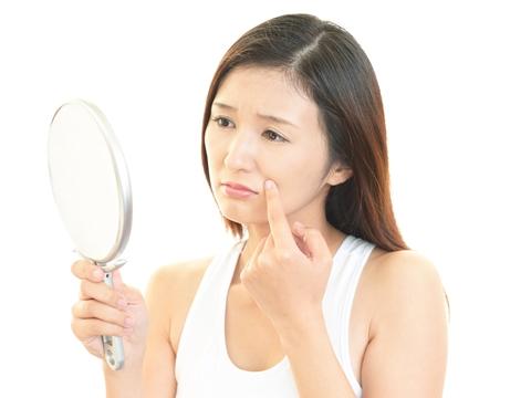 ほうれい線を予防!顔のコリをほぐす簡単エクササイズ