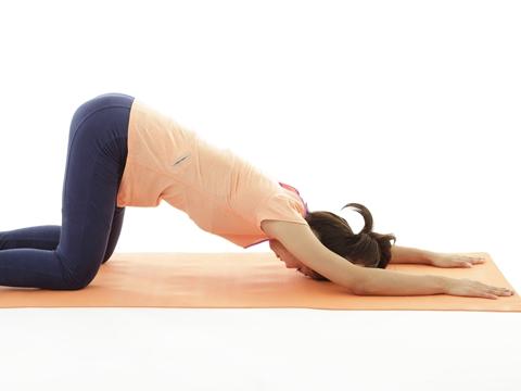 コリ・体型のゆるみは背筋が原因!背筋強化ストレッチで背中のコリを解消!