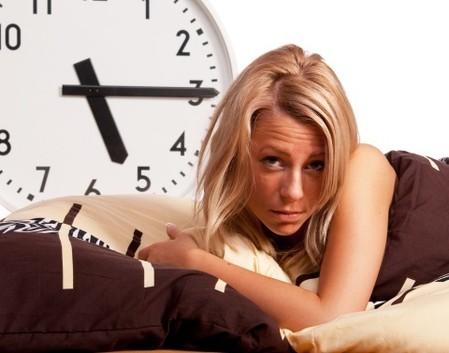 少しのコツがポイント!朝の寝癖を速攻で直す方法