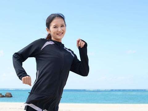 肩甲骨を意識して脂肪燃焼効果UP!キレイになれるランニング