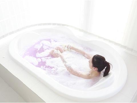 自宅にあるもので簡単ツヤ肌!入浴剤の代わりになるもの3選