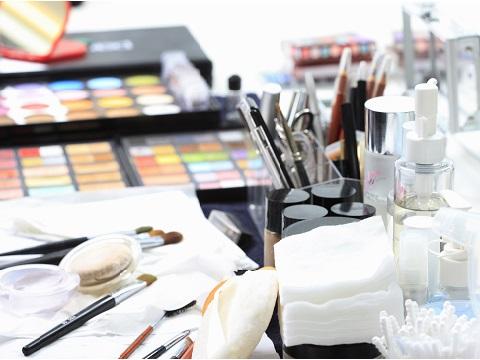 化粧のノリが驚くほどかわる!メイク道具の正しいお手入れ方法