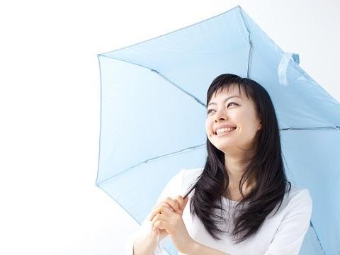 梅雨の爆発髪対策!髪の毛の広がりを抑える方法4つ