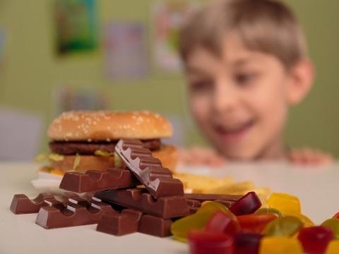 【要注意】食生活による子どもの肥満
